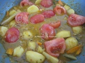 5. Fragrant prawn curry_sauté_tomatoes +potatoes